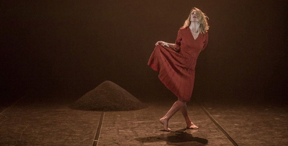 New Theatre from Spain with Luz Arcas